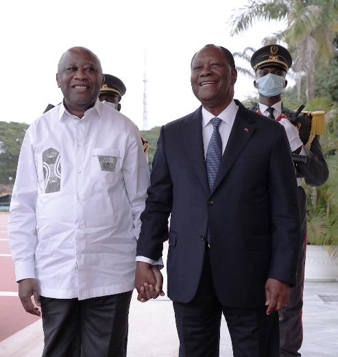 Gbagbo et Ouattara côte-à-côte, main dans la main, qui l'eût cru ?